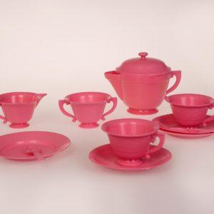 Vaaleanpunainen kahvisetti