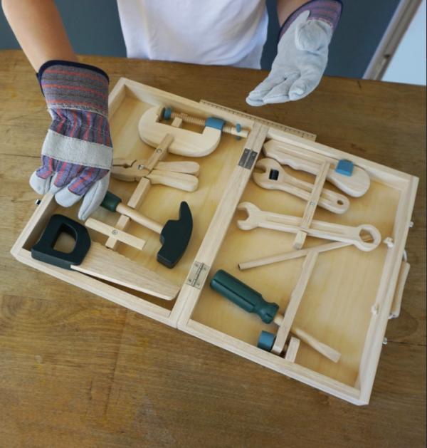 Puinen työkalulaatiiko ja työkalut